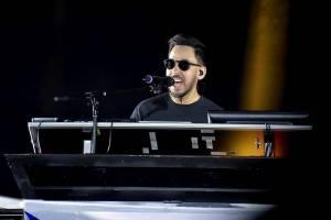 LIVE: Mike Shinoda v Praze prošel terapií. Zazpíval i duet s Lenny