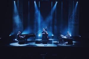 LIVE: JazzFest v rytmu electrobeatu aneb Gogo Penguin poprvé v Brně