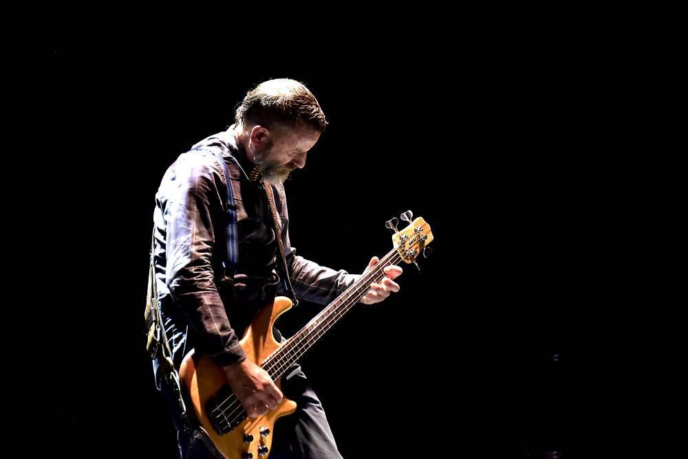 LIVE: Koncert Tool v O2 areně byl hlavně a především o hudbě. Za focení a nahrávání mobilem se vyvádělo