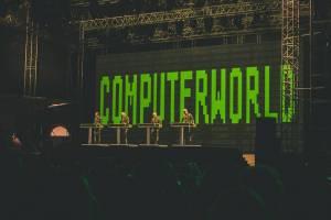 LIVE: Metronome festival, den druhý - Primal Scream vzpomněli zakázaný song v českých rádiích, Kraftwerk hráli pro pamětníky