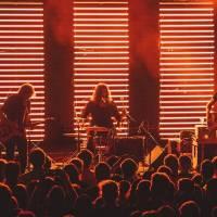 LIVE: Low přinesli svůj tichý alternativní rock do MeetFactory a uhranuli