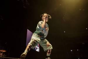 LIVE: Pavouci, jekot a pláč. Billie Eilish poprvé vystoupila v Praze