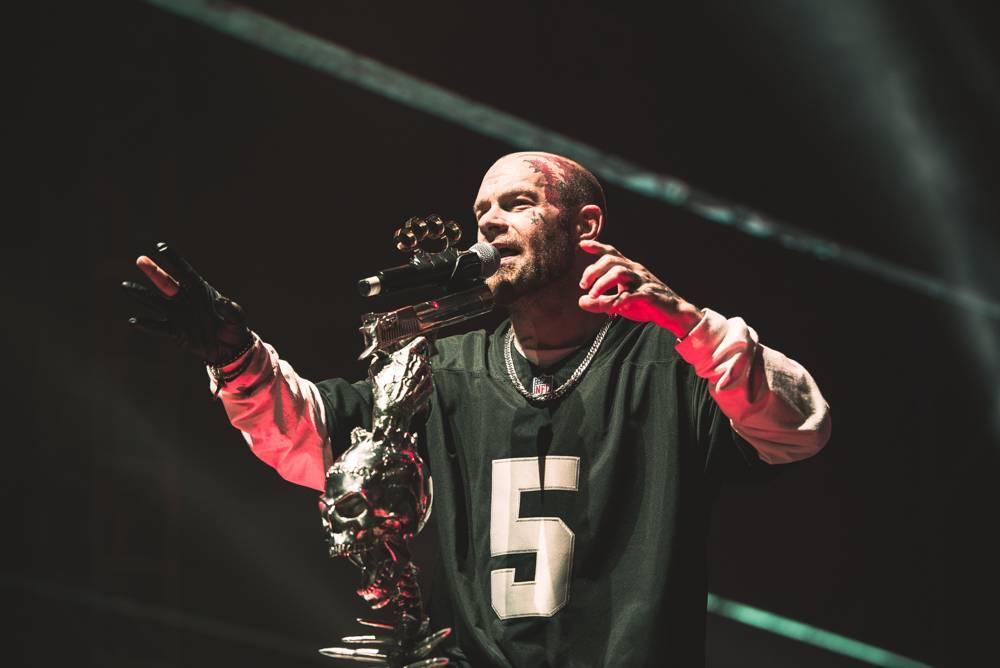 Chris Kael (Five Finger Death Punch) interview: Teď už žiju jenom stylem sex, milkshaky a proteiny