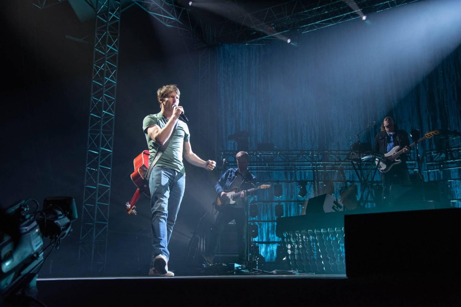 LIVE: James Blunt si před pražským koncertem procvičil česká slovíčka