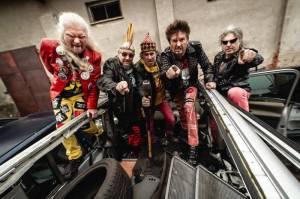RECENZE: Visací zámek vydal vydařený manifest vládnoucí punkové legendy