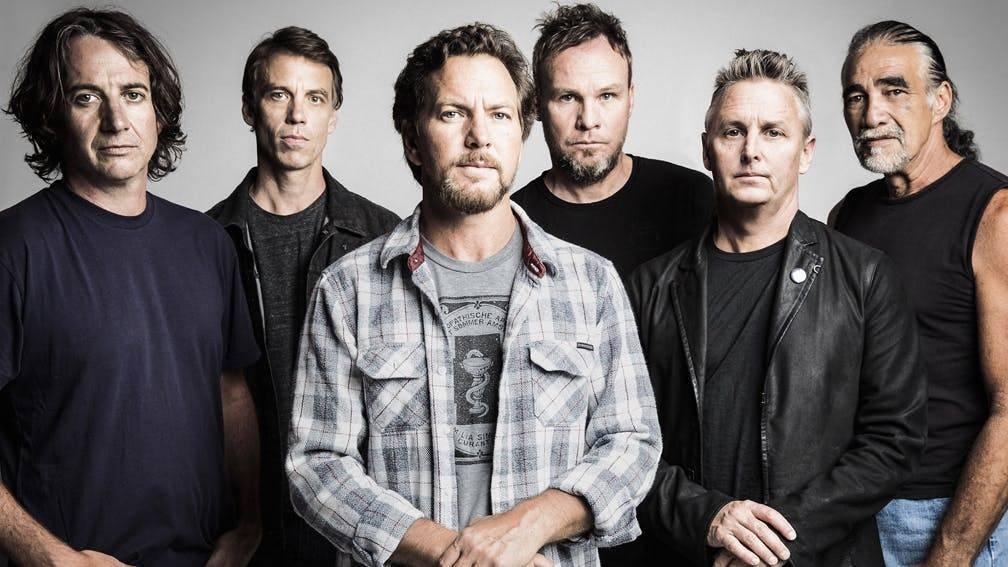 RECENZE: Pearl Jam neztrácejí naději, ale ke spokojenosti mají daleko