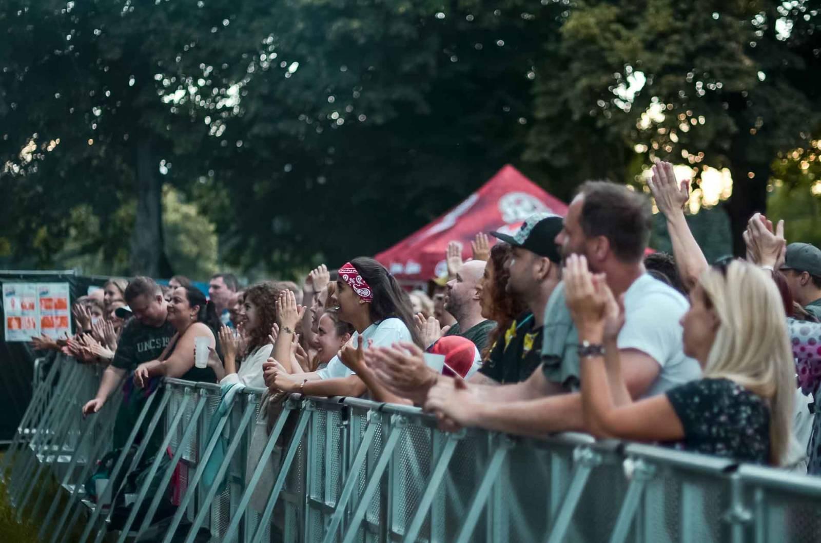 LIVE: MIG 21 i potřetí roztančili Lucerna Music Bar Open Air na pražském Výstavišti