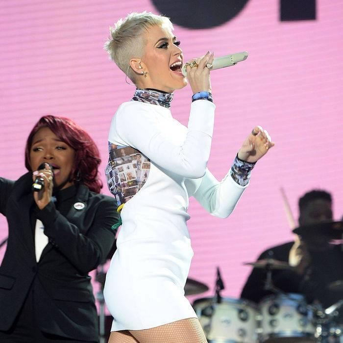 RECENZE: Novinka Smile zpěvačky Katy Perry vám úsměv rozhodně nevykouzlí