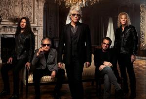 RECENZE: Bon Jovi na svém nejlepším albu dekády koketují s laciností a občas zní jako kapela Bruce Springsteena