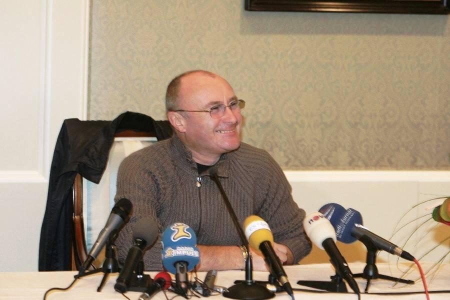 RETRO: Co to bylo za sedící studené čumáky? Phil Collins působil jako chlápek od vedle a odehrál prvotřídní popový koncert
