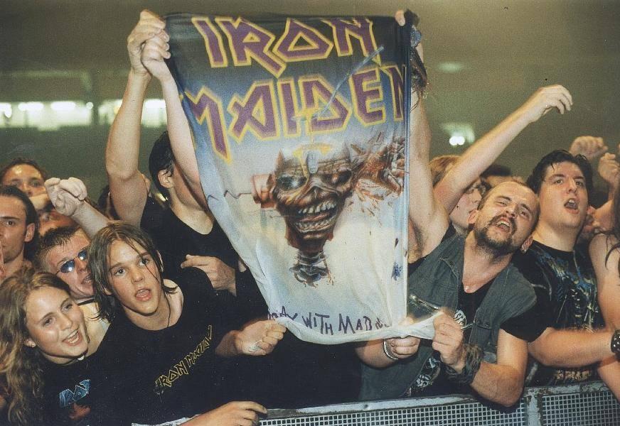 RECENZE: Živák Iron Maiden je balzámem na koncertní půst