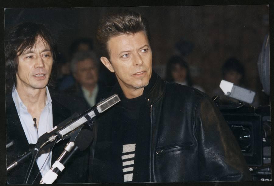RETRO: Bowieho premiéra před českým publikem. Trvalo mu to víc než třicet let