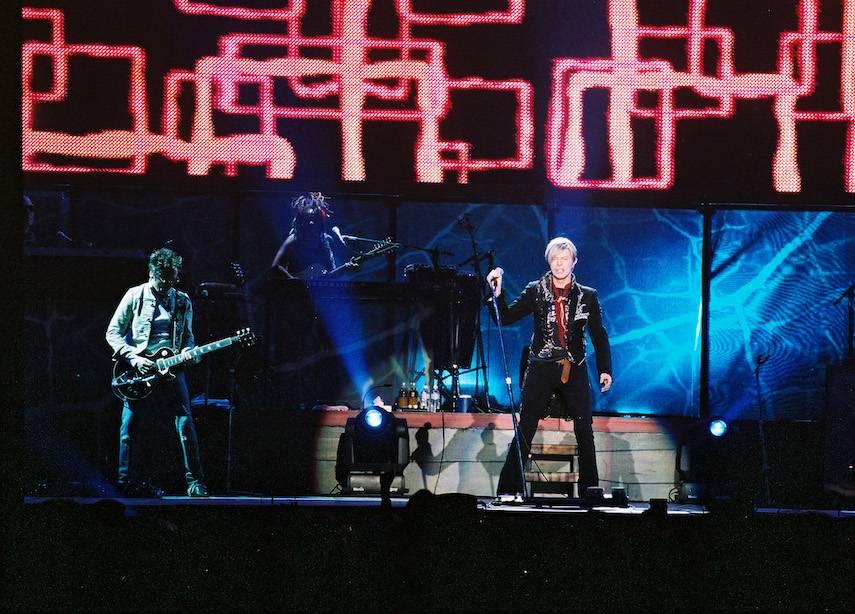 RETRO: David Bowie v Praze rozebral své písněna atomy