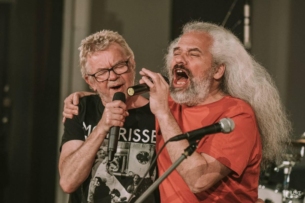 LIVE: Petr Fiala oslavil koncertem Mňágy a Žďorp narozeniny, dárky mu přinesli Čechomor, Tomáš Hanák i Petr Váša