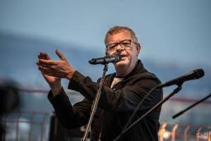 LIVE: Mňága a Žďorp zavítala do Brna, odehrála SPEŠL koncert ze střechy