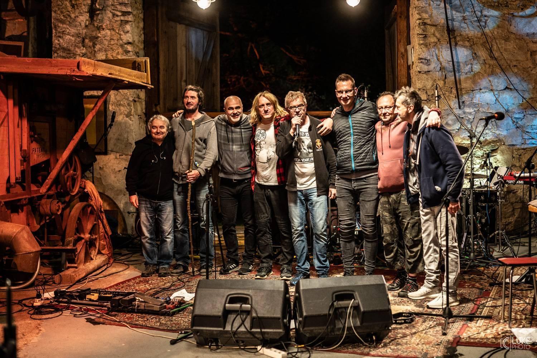 LIVE: Mňága a Ždorp přivítala na statku saxofonisty Tibíka Vypsanou fiXu, byl z toho mini festival