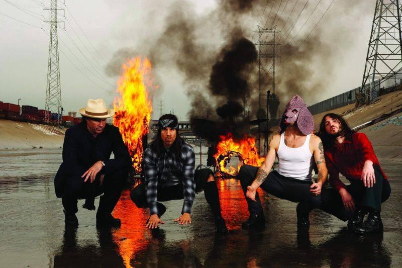LIVE: Jaký byl první koncert Red Hot Chili Peppers v Praze?