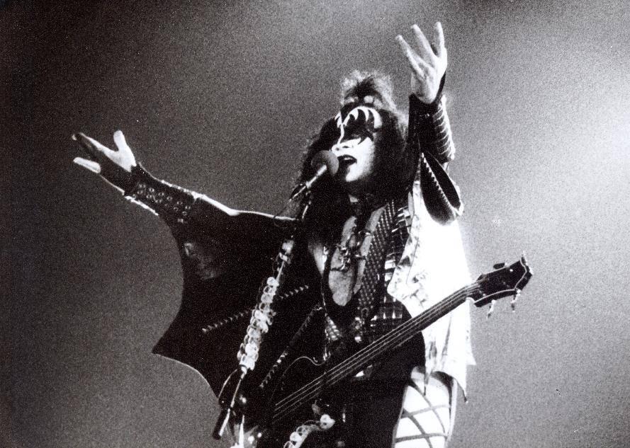 LIVE: Jaký byl koncert Kiss v Praze v roce 1996?