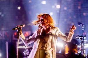 LIVE: Robbie Williams ukázal na Szigetu show, Florence and the Machine duši