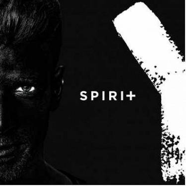 DVOJRECENZE: Majk Spirit jako hlas generace Y. Je lepší černý, nebo bílý?