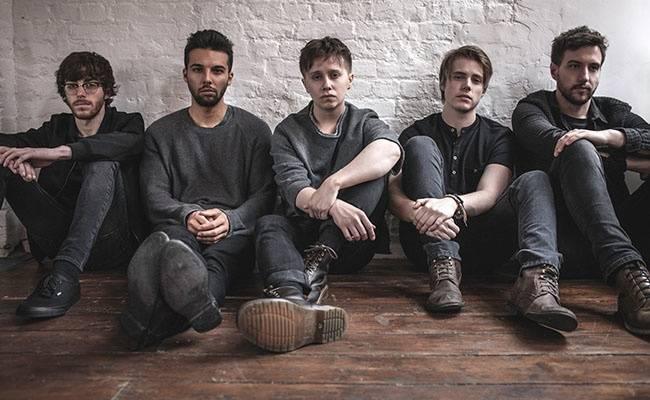 S Nothing But Thieves v tourbusu: Muse jsou nejmilejší nerdi. Je nám ctí s nimi hrát