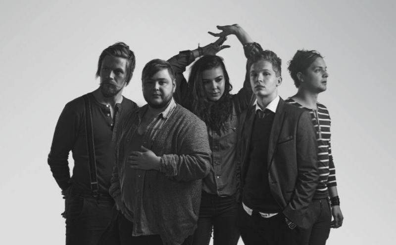 Of Monsters And Men interview: Na Islandu potkáš v knihkupectví prezidenta