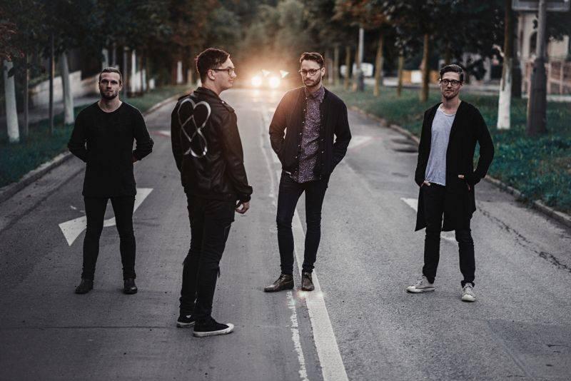 Holden interview: Zpívání v češtině? Jako kdybychom pražské hipster smetánce chrstli kyselinu do oka