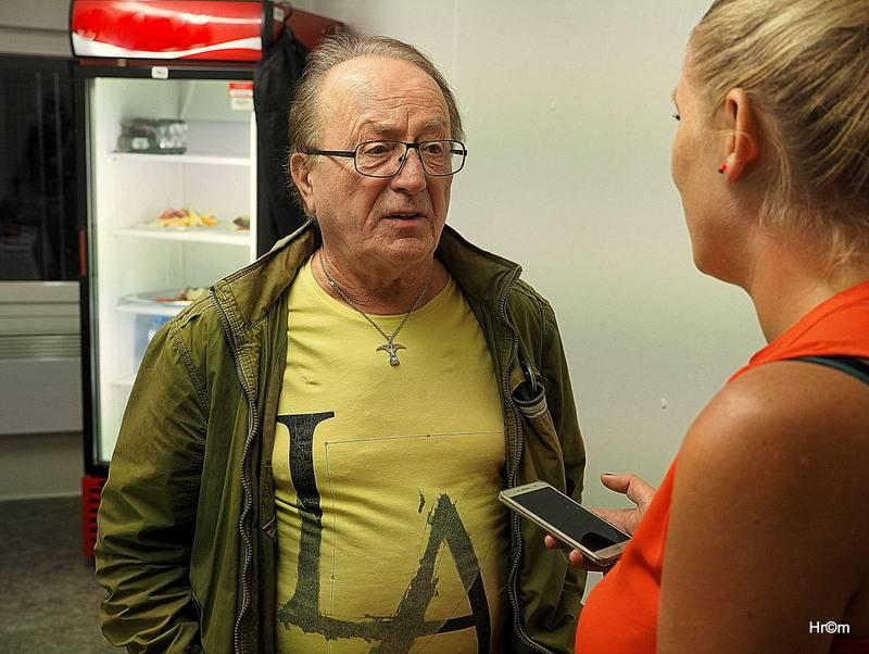 Petr Janda (Olympic) interview: Jsme čeští Rolling Stones, jen místo New Yorku hrajeme v Berouně