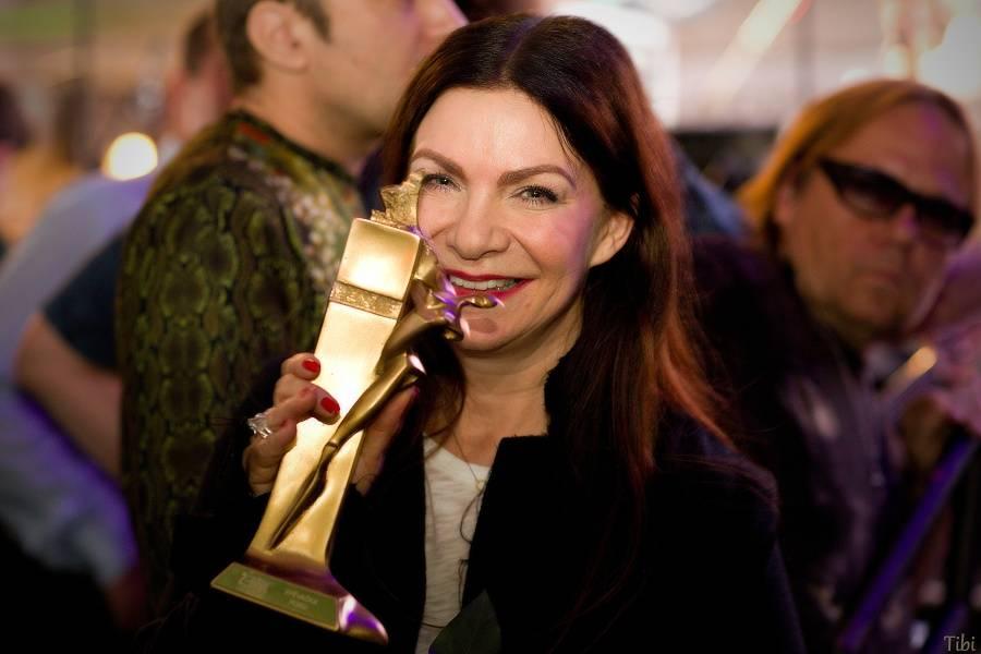 VIDEOROZHOVOR: Anna K. na Žebříku - Na koncertech budu oslavovat život a Světlo