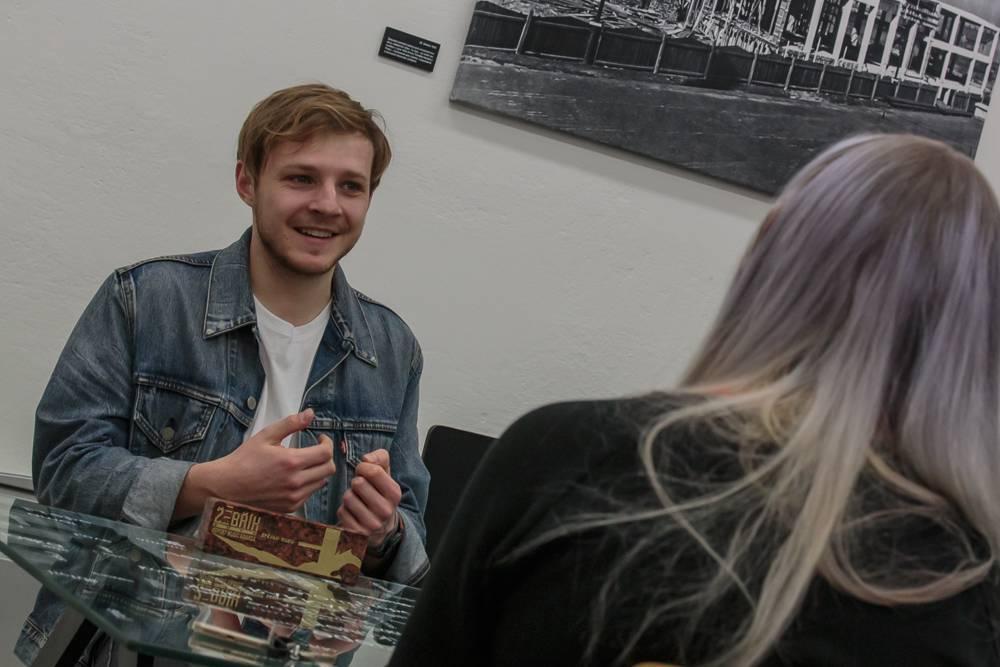 VIDEOROZHOVOR: Thom Artway na Žebříku - Českých textů mám dost, ale jejich čas ještě nepřišel