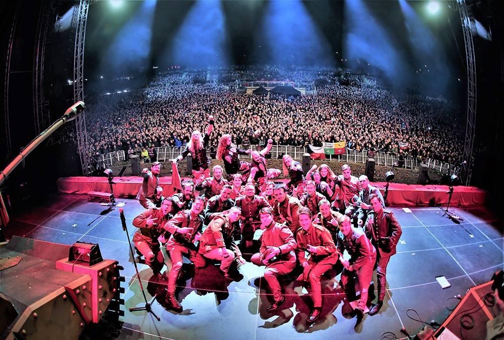 Český sbor, který zpívá se Sabatonem interview: Sabaton tajně zkoušel evropské turné v kulturáku v Plzni!
