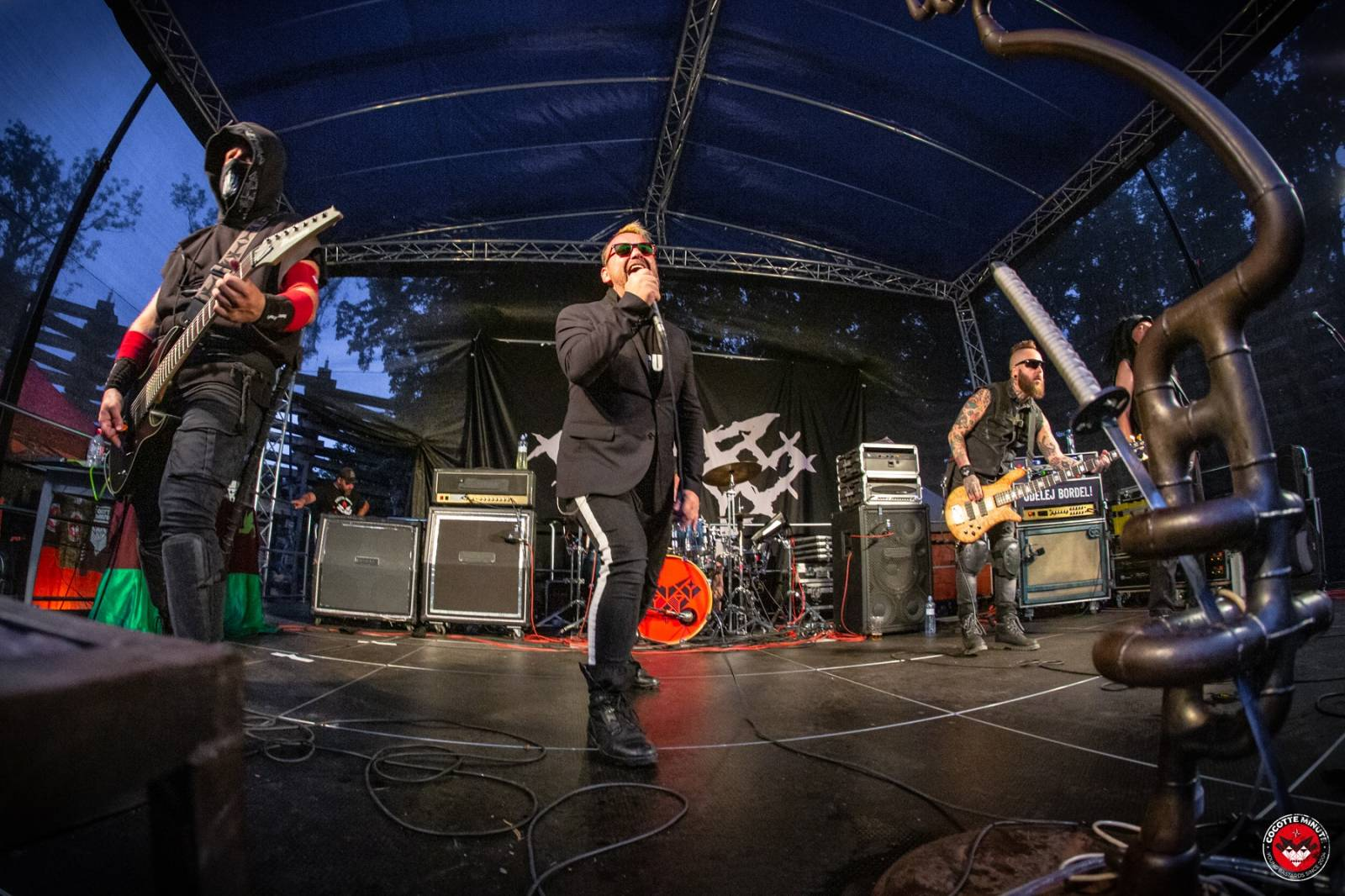 Zeller (Cocotte Minute) interview: Na spoustu tvrdých kapel je smutný se koukat