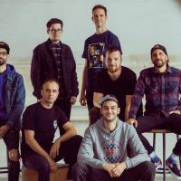 ROZHOVOR | Fast Food Orchestra: Nová deska? Víc dechů, víc kytar, víc kláves, víc všeho