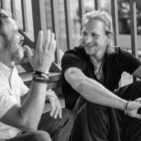 ROZHOVOR | Tomáš Klus: Posral mě pták, budu mít dnes štěstí aneb Zočí do očí na schodech pod Žižkovskou věží