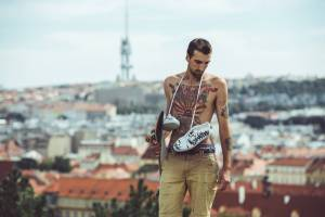 Na veletrhu sneakers kultury Teniskology vystoupí Dan Bárta, e.ndru i Vladimir 518