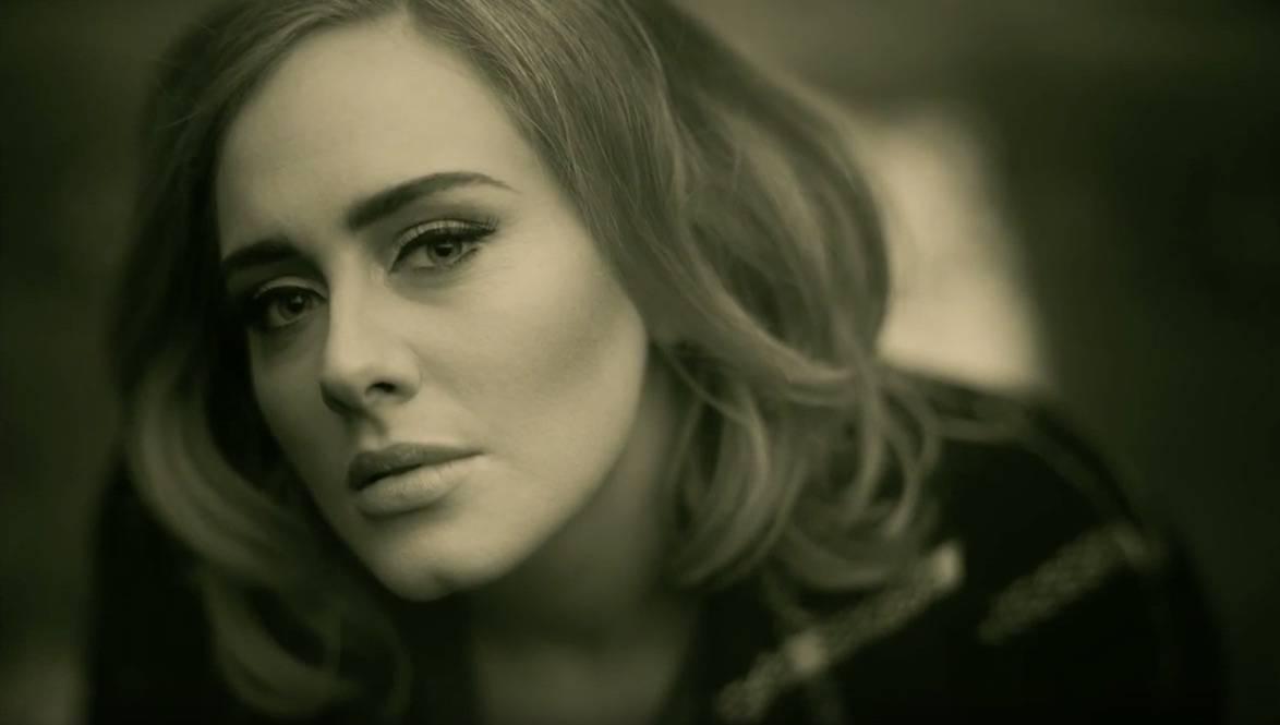 Hello, it's me...  Hit Adele parodují Ellen DeGeneres i hrdinové Hvězdných válek