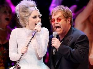 Desky roku 2016: Chystají je Kanye West, Lady Gaga nebo Elton John. A možná i Guns N' Roses