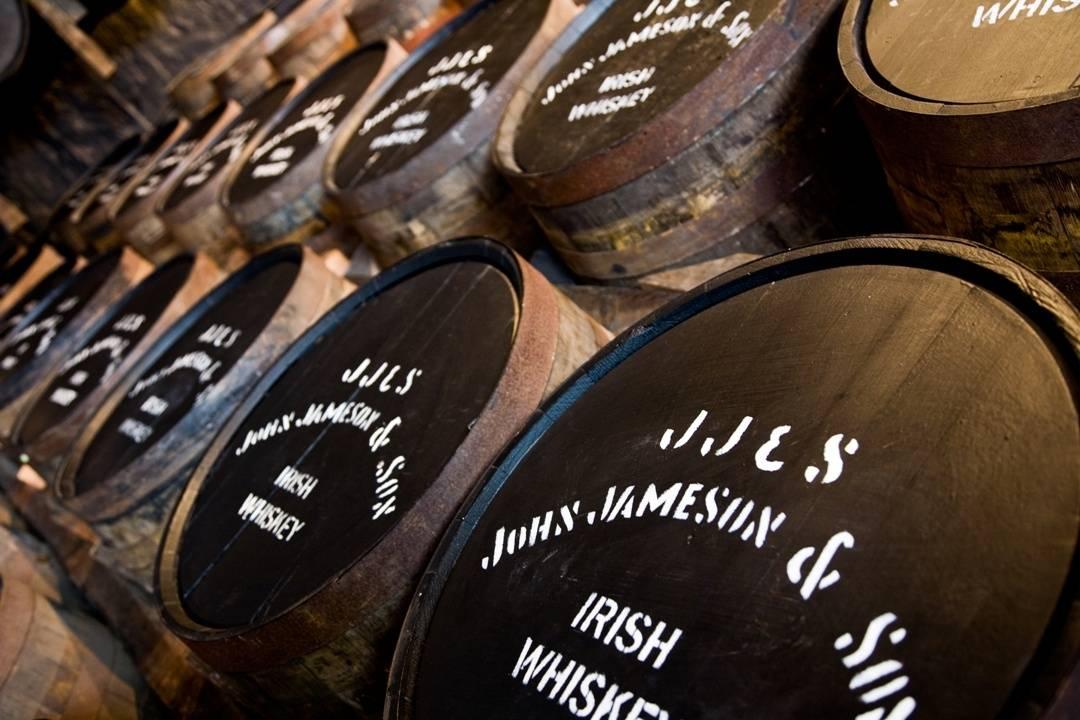 Když si whiskey hraje se sudy. Vítej v největším festivalovém sudu v Evropě