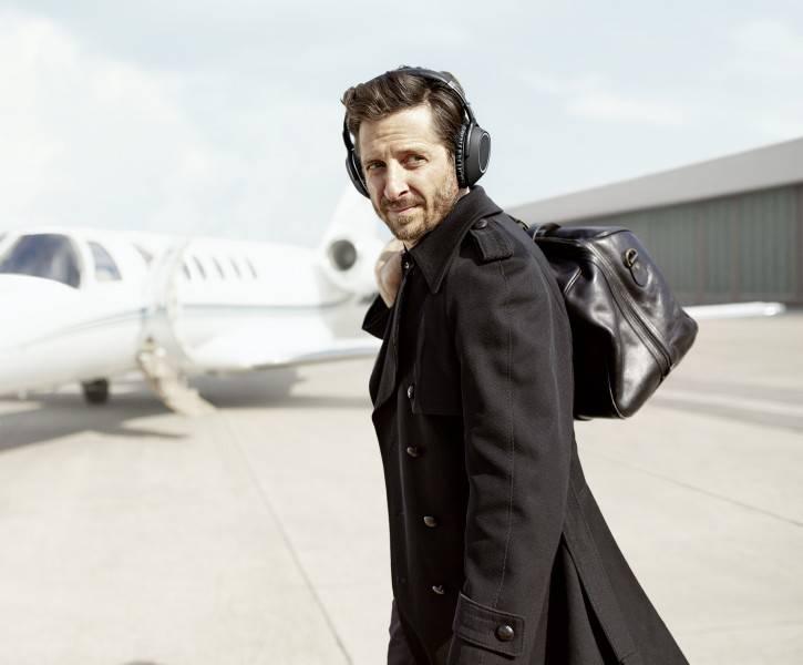 Jak si nejlépe zpříjemnit cestování? S high-end sluchátky Sennheiser PXC 550