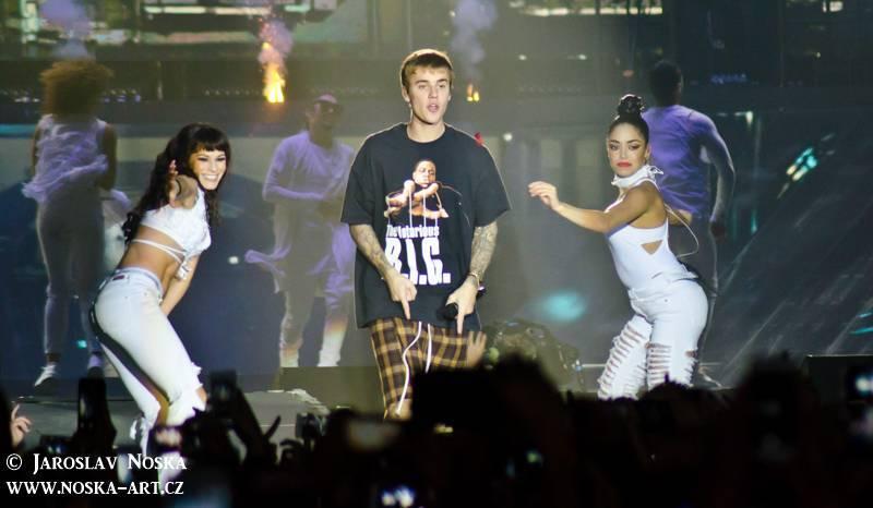 TOP 10 nejčtenějších článků roku 2016 na iREPORTu: Úmrtí, Ortel, Řezník, Justin Bieber i Eurosong