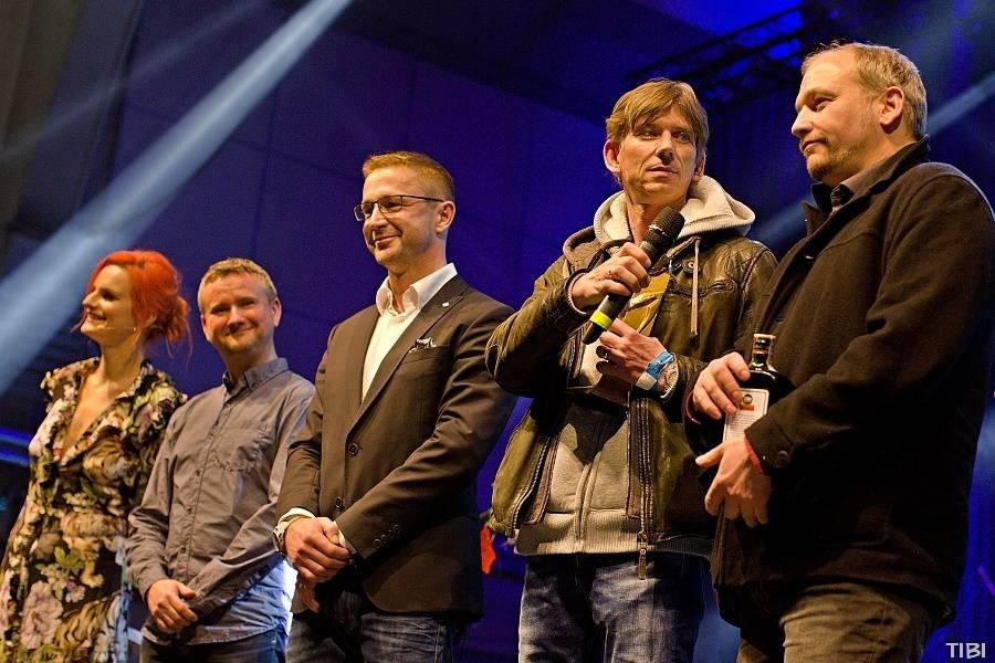 FOTOSTORY: TOP 12 okamžiků Žebříku objektivy fotografů iREPORTu - vítězství, euforie a skvělé koncerty!