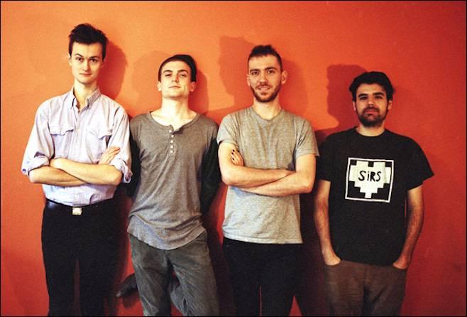 Temní jezdci post-punku: TOP 10 kapel od Joy Division po The Horrors