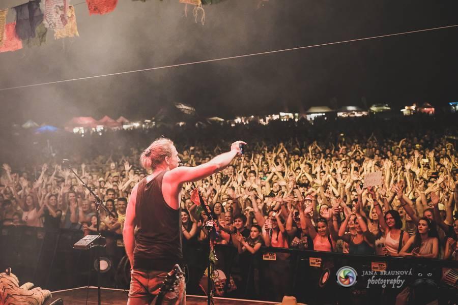 Srpen slibuje festivalovou smršť, samostatné koncerty chystají Robbie Williams, Billy Talent nebo The Offspring