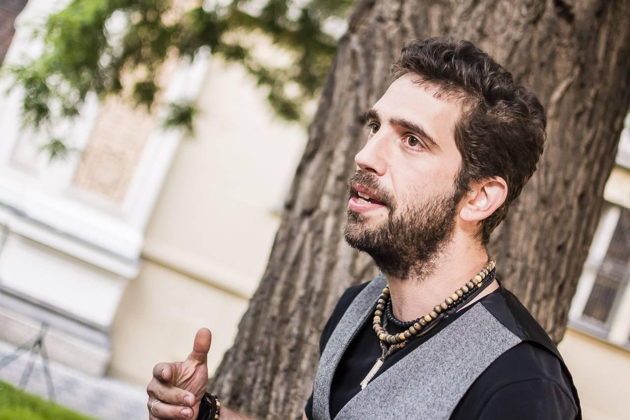 Vegani a vegetariáni na české hudební scéně: Proč Tomáš Klus, Ben Cristovao, Jindra Polák a další nejí maso?