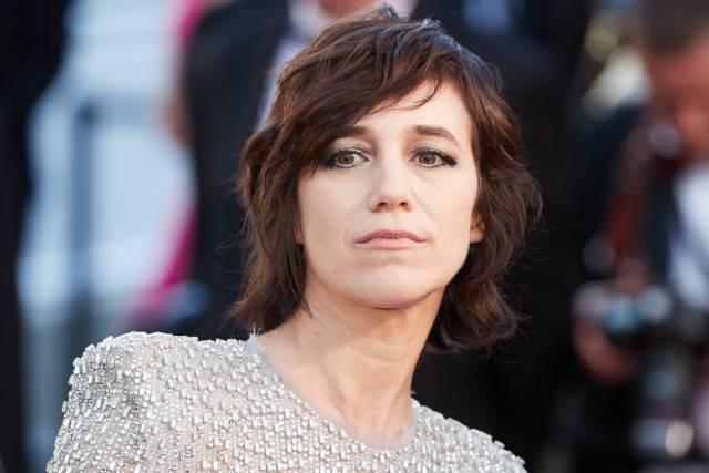 TOP 6 francouzsky zpívajících umělců, které je dobré si pustit ve Světový den frankofonie