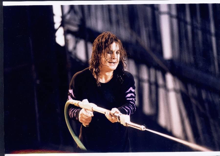 Ozzy Osbourne: Tři nejbláznivější koncertní eskapády Prince temnot