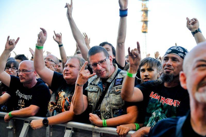 TOP 5 NEJ pražského koncertu Iron Maiden: Rekvizity, pódiová show i energický Bruce Dickinson