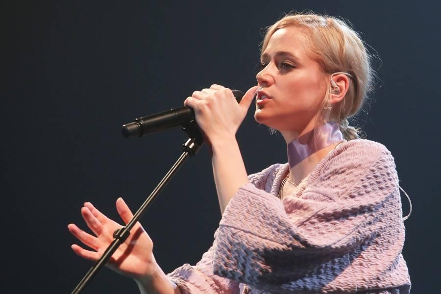 Kdo jede na turné (III.): Tomáš Klus vyrazí s novým albem SpOlu, Emma Smetana a Emma Drobná vás naladí na vlnu popu