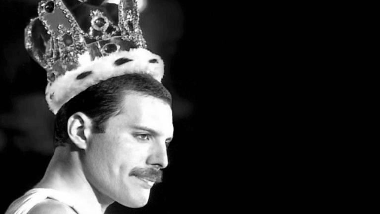 TOP 10 písní Freddieho Mercuryho: Fenomenální zpěvák ovládal rock, pop, operu i sportovní hymnu