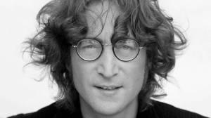 TOP 10 skladeb Johna Lennona: Beatles, společenské apely, halucinogenní obrazy i láska k Yoko Ono